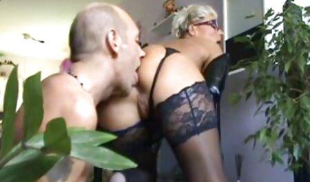 若い女の子は彼女の恋人の大きなペニスを好む エッチ 動画 女性 用