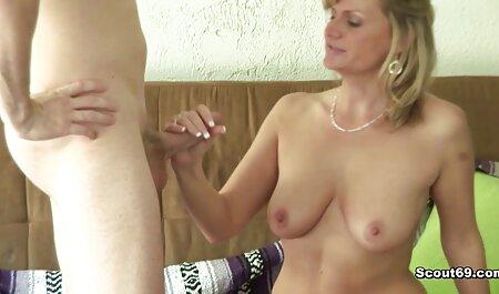 二つの美しさ吸い男のコック 女性 用 の エロ 動画