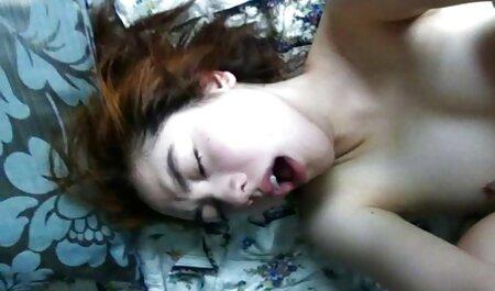 女の子は彼女のLを撫でます。 女性 向け セクシー 動画