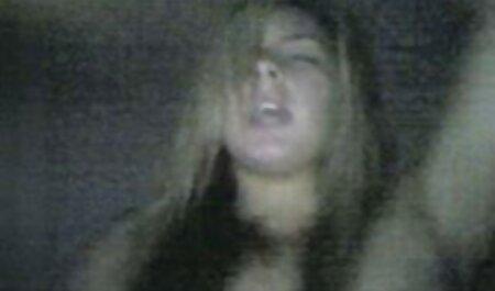 ロシアの男は巧みに彼女の上にオーガズムを置く 女性 向け 無料 動画 マッサージ